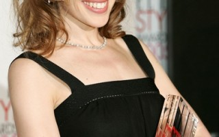 澳洲著名影歌星凯莉患乳癌发表声明