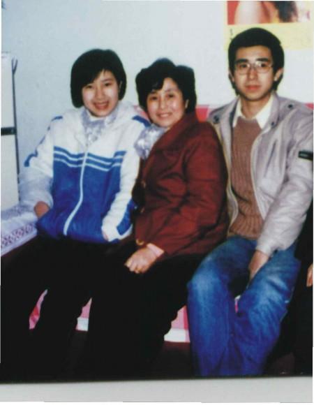 快点回家吧﹐我最亲爱的妈妈和哥哥