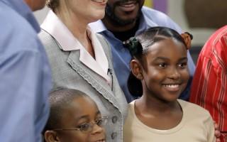 劳拉‧布什访问堪萨斯城的小学