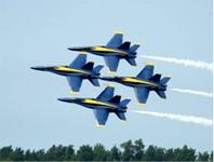 美國海軍「藍天使」飛行表演