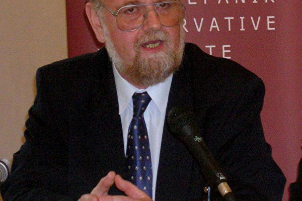 國際關系大學副校長彼得.奧蘇斯基博士