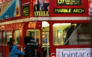 """組圖:倫敦""""路主""""紅色雙層巴士即將走入歷史"""