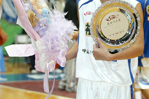 首周最佳斗士周士渊(照片提供:ESPN STAR Sports )