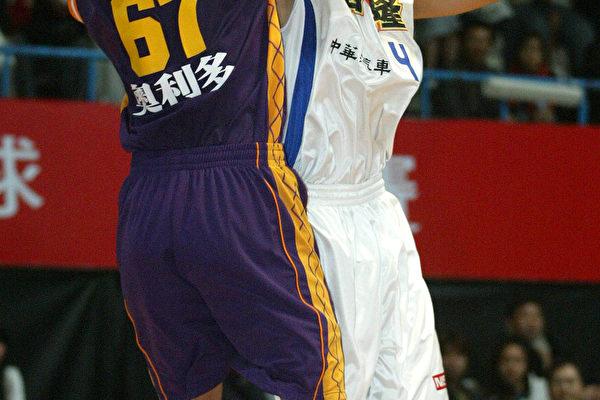 裕隆曾文鼎(左)纬来林信华(照片提供:ESPN STAR Sports )
