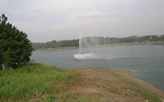 嘉義蘭潭風景區七彩噴水