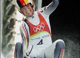 冬运雪橇女子单人项目 德国独吞奖牌
