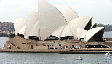 迟了三十二年  雪梨歌剧院建筑师受女王表扬