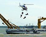 印尼、馬來西亞和新加坡已開始聯合海空巡邏麻六甲海峽(Photo by JIMIN LAI/AFP/Getty Images)