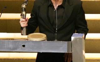 周杰伦获得香港最佳新人金像奖