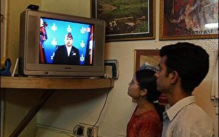 解下台危機 尼泊爾國王宣布將還政於民