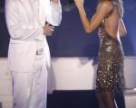 黎莱恩和泰国天后 Tata Young合唱情歌/Getty Images