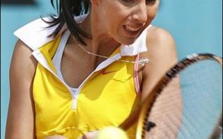 法国公开赛  俄女将蜜丝齐娜闯进第3轮