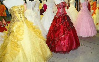 上海一處婚紗展覽。(Photo by LIU JIN/AFP/Getty Images)