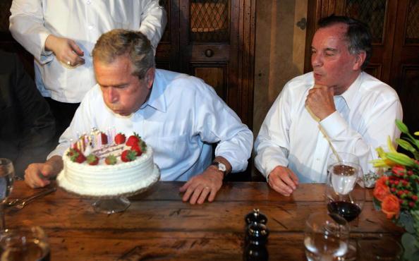 布什60岁生日 美60年来最瘦总统