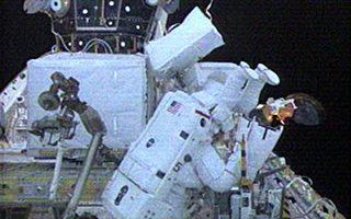 美宇航員結束七小時太空行走