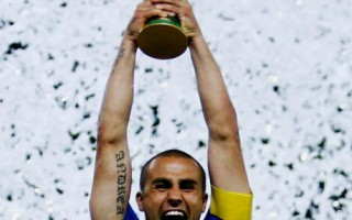 High過頭  義大利的世足冠軍金杯破了