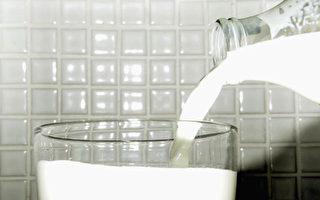 牛奶別帶袋或用微波爐加熱