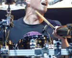 Nickelback的鼓手Daniel Adair / by Ethan Miller/Getty Images