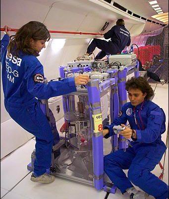太空飛機實驗在無重力情況進行外科手術