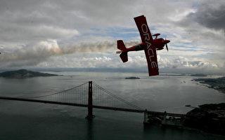 图片新闻:旧金山一年一度舰队周飞行表演