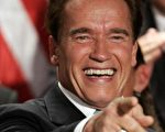 加州州长:阿诺史瓦辛格(Arnold Schwarzenegger)(Photo by Gabrial Bouys/AFP/Getty Images)