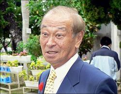 冲绳县长由执政党推荐者当选 不影响美驻军