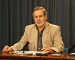 澳赴大陸真相調查團紐省分部的負責人,亞姆德萊斯中心(Edmund Rice Centre)的執行董事格蘭德林(Glendenning)先生在紐省議會大廈內舉行新聞發佈會