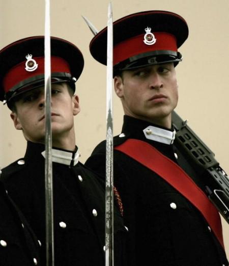 组图:威廉王子毕业 将任皇家骑兵团军官