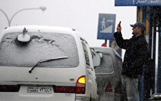 六十一名希腊观光客因雪受困约旦