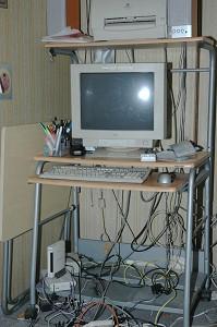 2006年3月10日,日本大阪大纪元遭到歹徒闯入偷走电脑主机。(大纪元新闻图片)