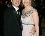 女星珍妮佛•洛佩斯和丈夫马克•安东尼一同出席第79届奥斯卡奖颁奖典礼。(图片/Gettyimages)