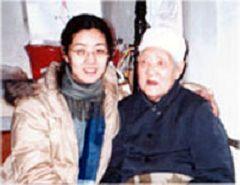 王博和外婆(明慧网)