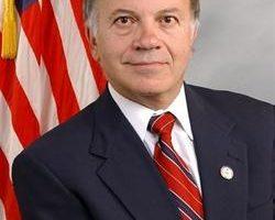 美共和黨眾議員唐克多宣布參選總統
