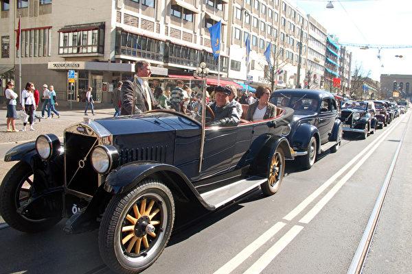 瑞典沃爾沃慶生80年汽車遊行