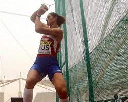 俄罗斯女将李森科刷新女子链球世界纪录