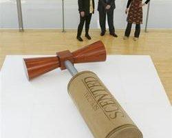 英国殡葬富创意 疯狂棺木长销 环保风也抬头