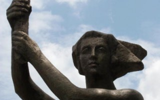 外电披露美国立碑纪念共产迫害经过