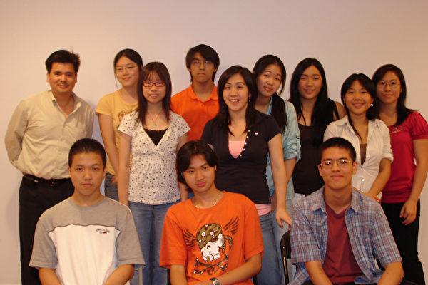 华裔高中生参与社会服务受益多