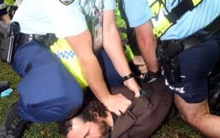 亞太經合會 悉尼警民爆肢體衝突