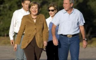 梅克爾訪布什農場 聚焦伊朗與柯索伏