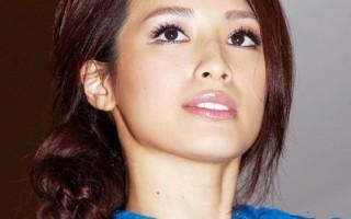 李蒨蓉為慈善派對定裝  透露將拍電影