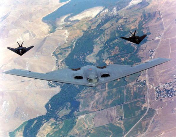 圖為B-2 隱形轟炸機照片。(USAF/Getty Images)