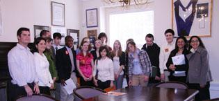 大赦國際帶高中生在州議會實習遊說政客