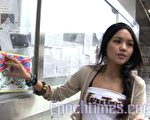 陈巧文先后接到警察查询及网民留言恐吓,而张贴在港大民主墙的雪山狮子旗一夜间也被人撕毁。(大纪元)