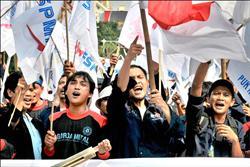 油價狂飆 各國爆發抗議潮