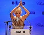 好萊塢知名女星莎朗史東(Sharon Stone)在戛納影展 (Photo by Pascal Le Segretain/Getty Images)