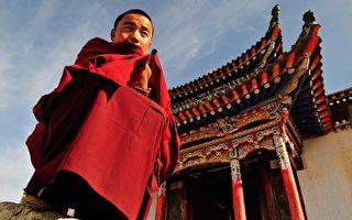 西藏12名寺院僧侣被捕 官报再批达赖