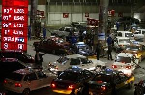 【熱點互動】中國漲油價 石油寡頭再逼宮
