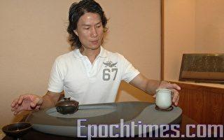 鄭階和愛茶成痴 石雕融合茶文化