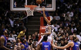 NBA 艾佛森披活塞战袍  首战篮网吞败仗